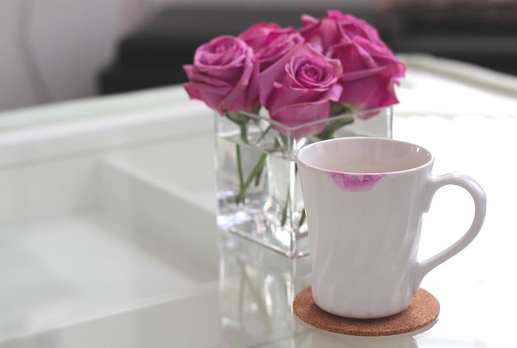 tly_roses-and-coffee-mug